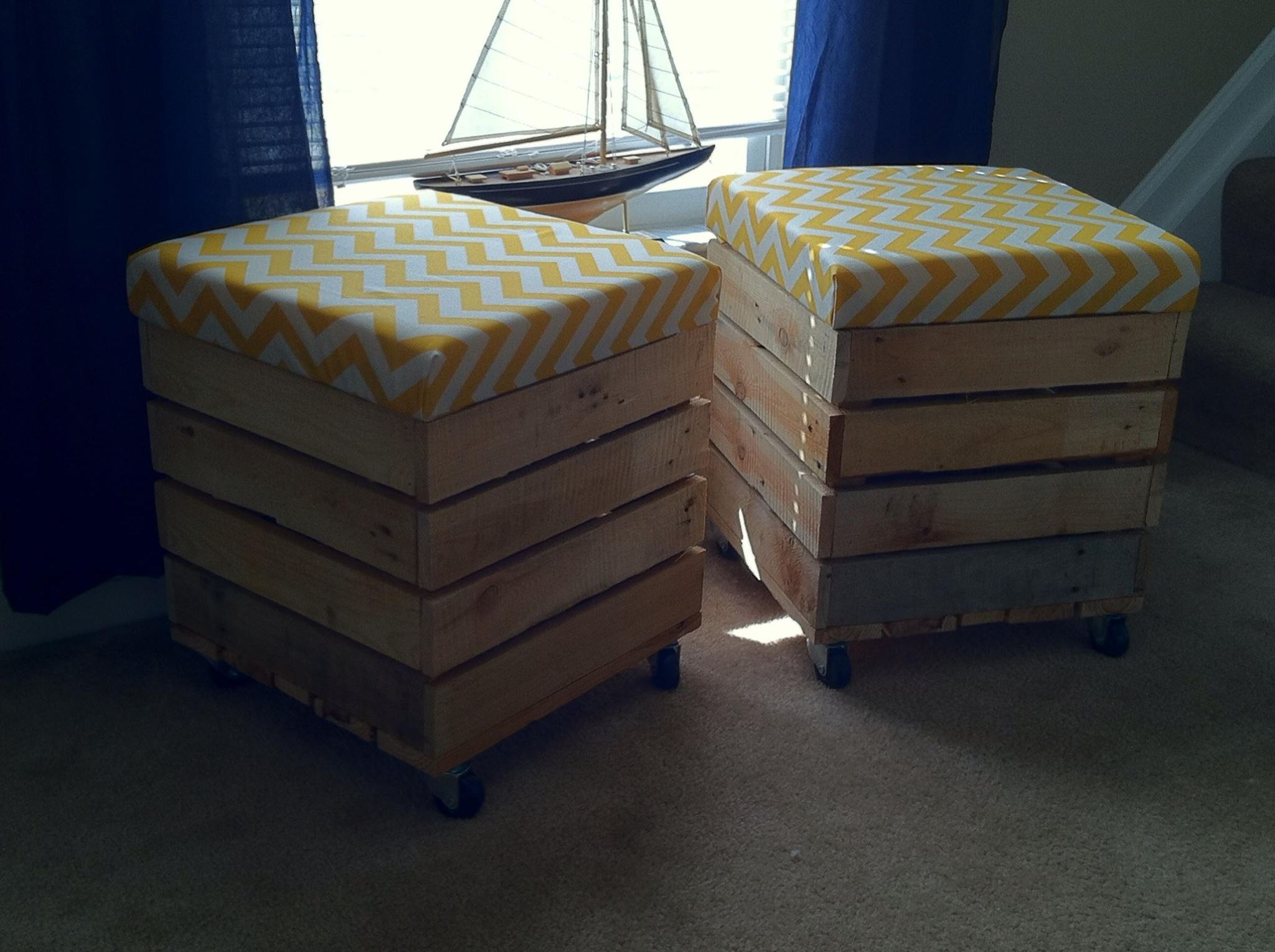 Rolling Pallet Crate Stools -     Get the Plans!