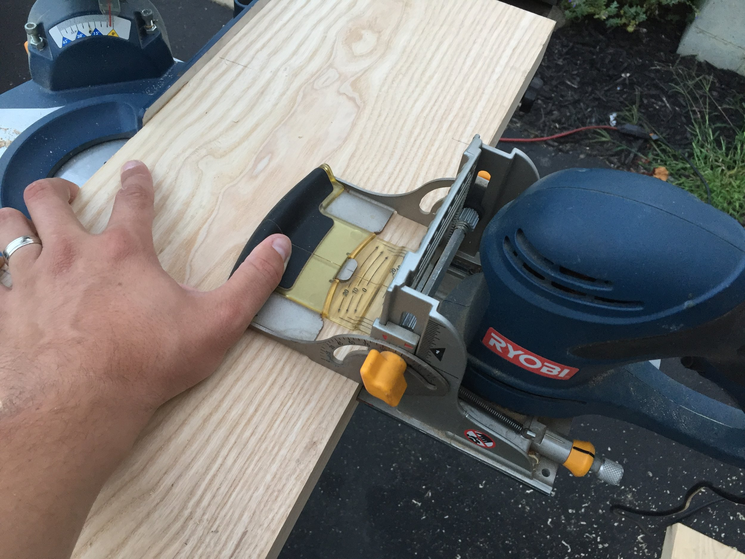 5 - How to cut Biscut Joints.JPG