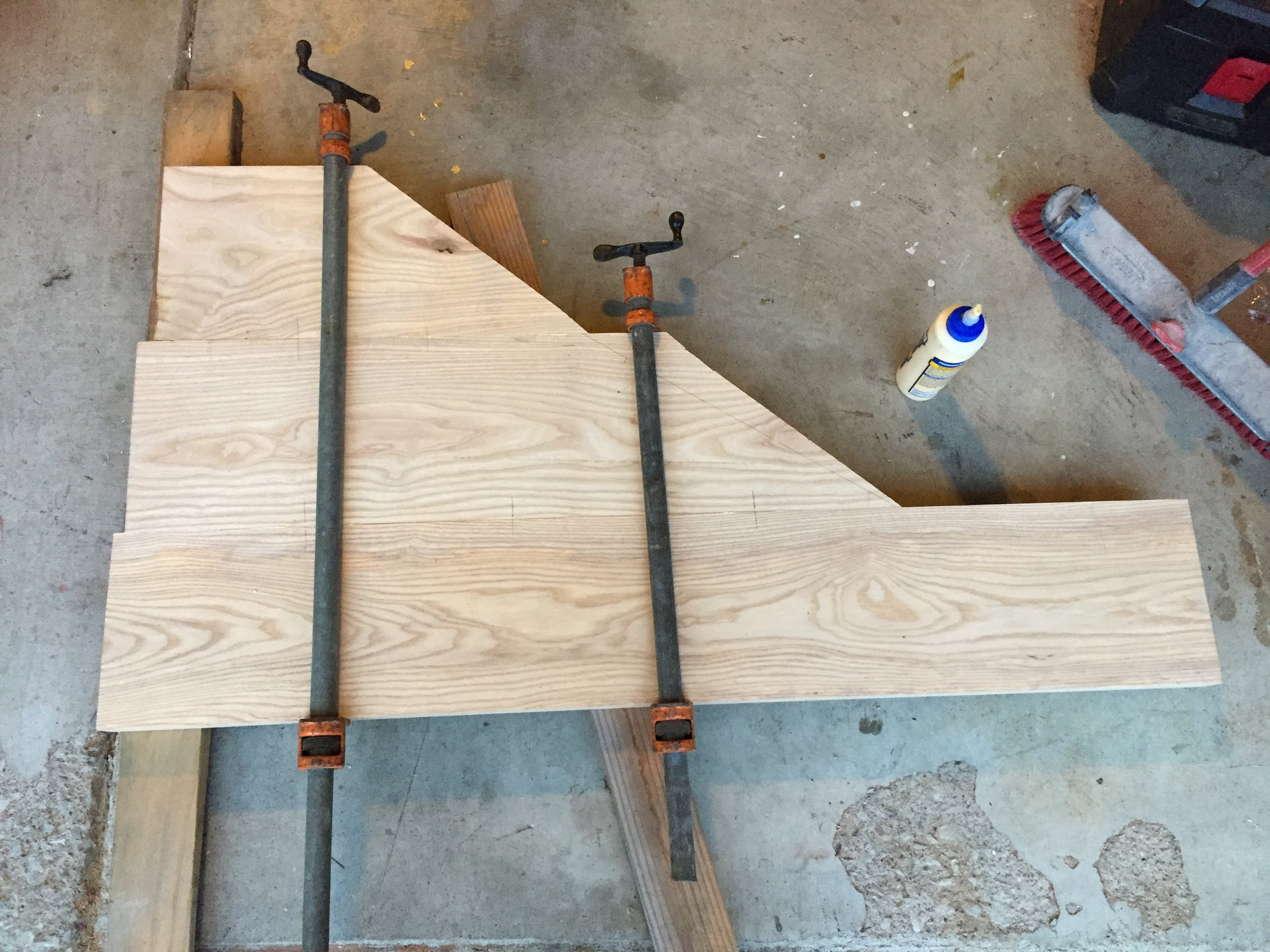 7 - Clamping the table planks.JPG