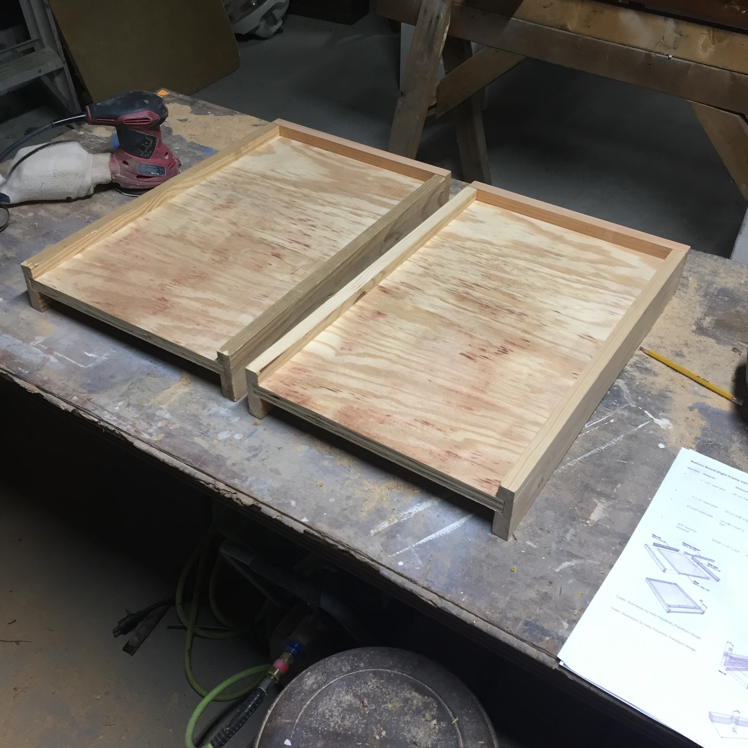 How to build a solid bottom board for beehive