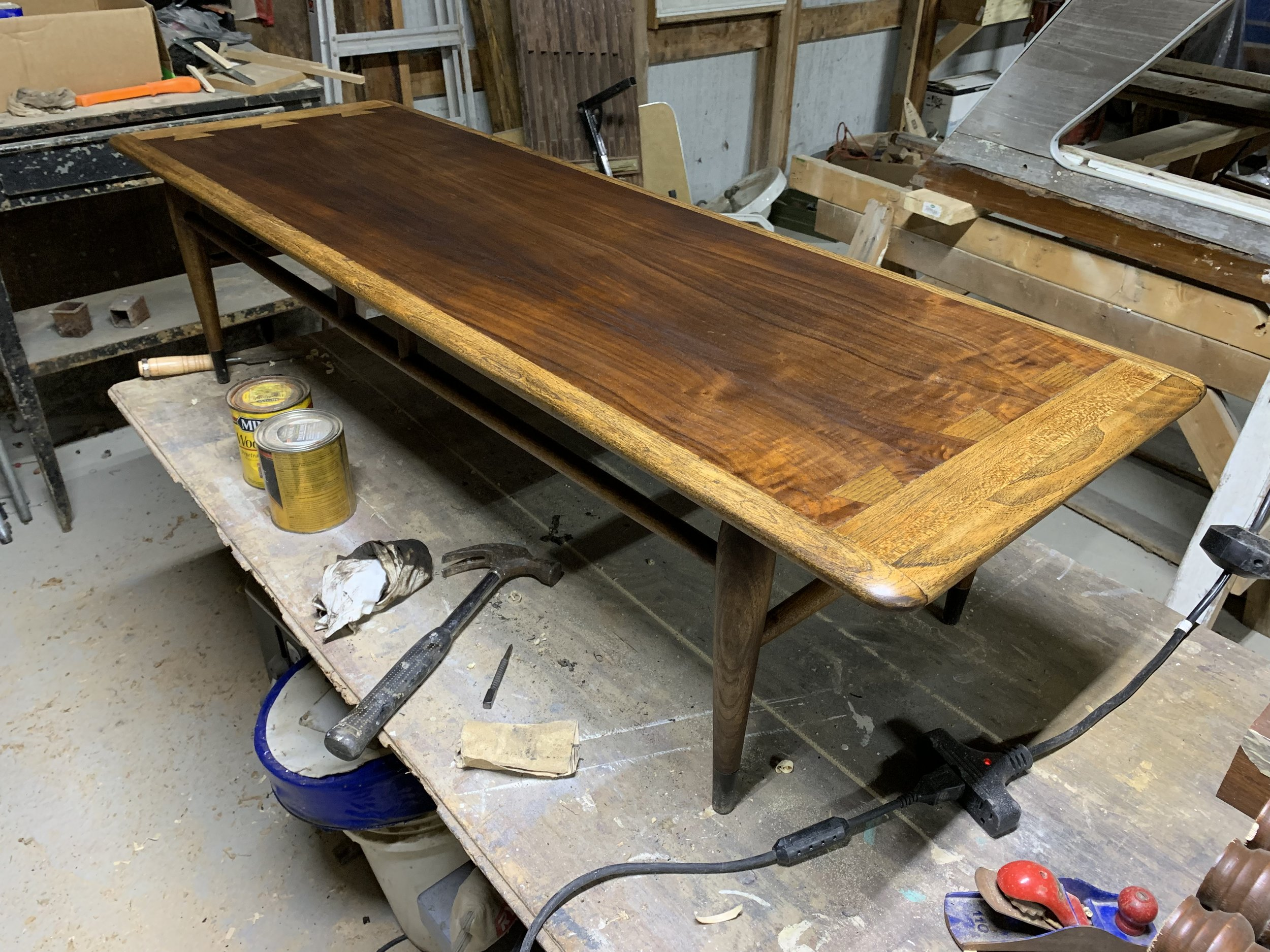 How to Stain a Coffee Table