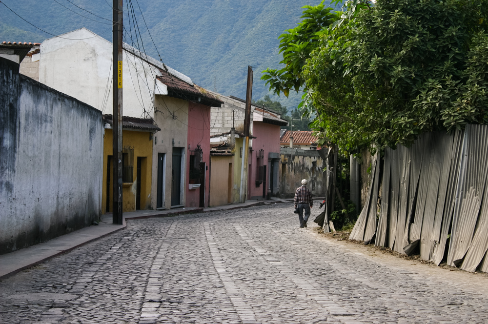 antigua-street (1 of 1).jpg