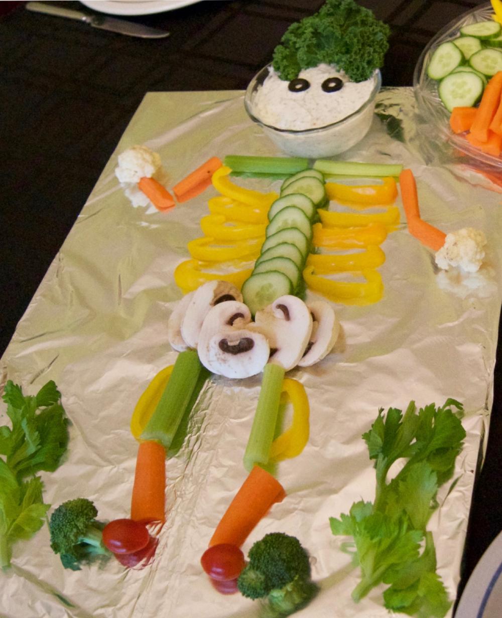 Skelly-T-Veggie-Bones