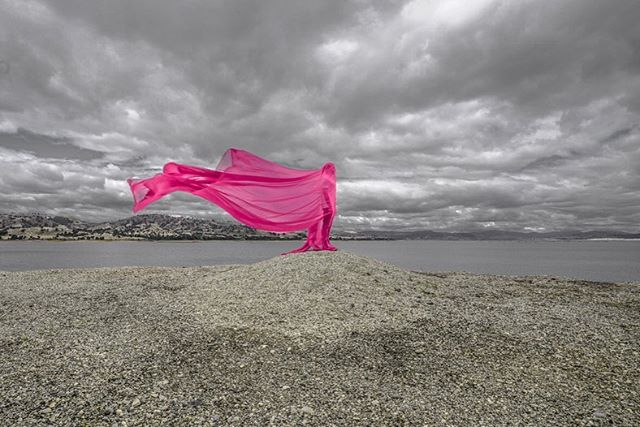 Priscilla Queen of the Weir vibes or as I'd like to call it 'Qweir' 👑🌈 with Colours of the wind series 💓❤️💛. Photoshoot with @rhys_02 at Lake Hume Weir #agameoftones #rsa_minimal #arte #art #artist #artistsoninstagram #artistsofinstagram #design #graphicdesign #photography #conceptualphotography #surrealism #awesome_surreal #windy #storm #colour #colourpop #popsurrealism #instaart #minimalmood #instacool #instamood #coloursplash #minimalista #minimalist #minimalismo #instadaily #instagay