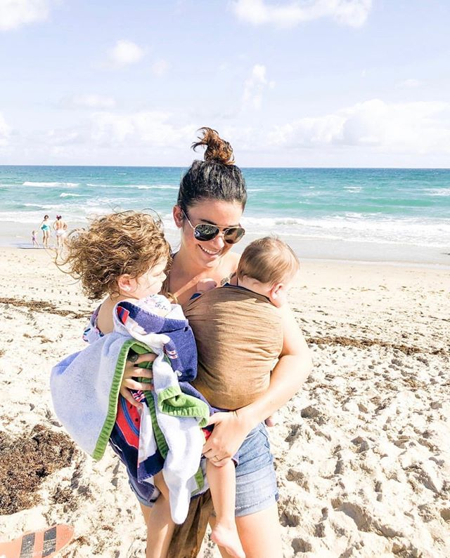 This mama knows best how to take on the beach with littles. I mean, has anyone attempted a stroller in the sand 🙋🏼‍♀️ #neveragain #wearthem • • Click the link in our profile to find out which slings are on sale today 🛒 • • • • • • #beachday #summertime #wrapcarrier #momitforward #motherhoodsimplified #whiletheyrelittle #pursuepretty #darlingmovement #unitedinmotherhood #letthembelittle #momlife #liveauthentic #momentslikethese #thehappynow #documentlife #thepursuitofjoyproject #motherhood #momtogs  #ringslings #pregnant #babycarrier #babywearing #wearallthebabies #babywearingmom  #babywearingforthewin #carrythem #toddlerwearing