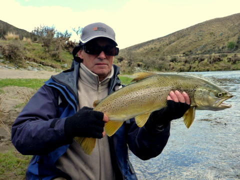 Fly fishing on South Island trophy trout rivers