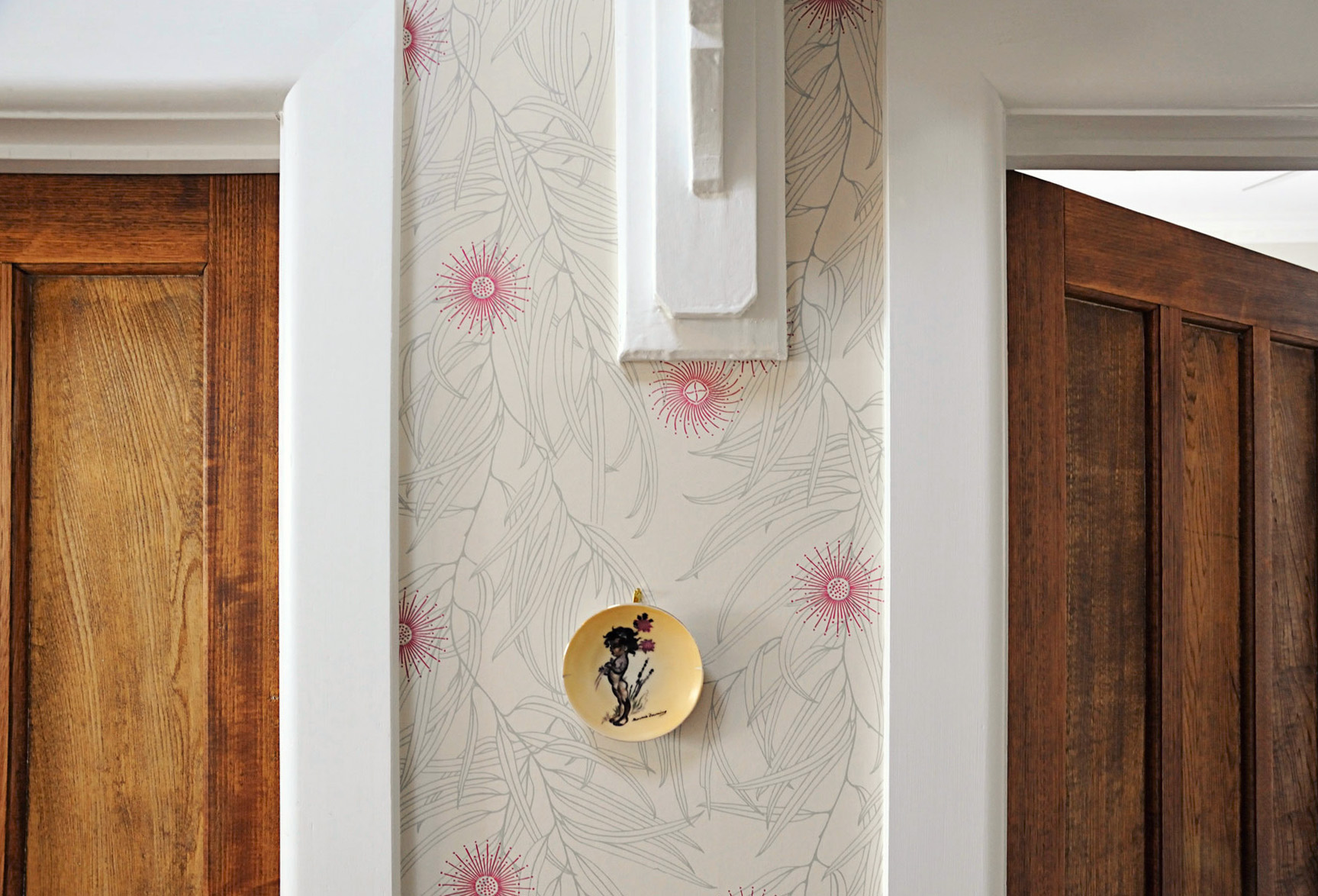 Monomeith Designs wallpaper by Penny Maskell - Designed in Tasmania and hand printed in Melbourne