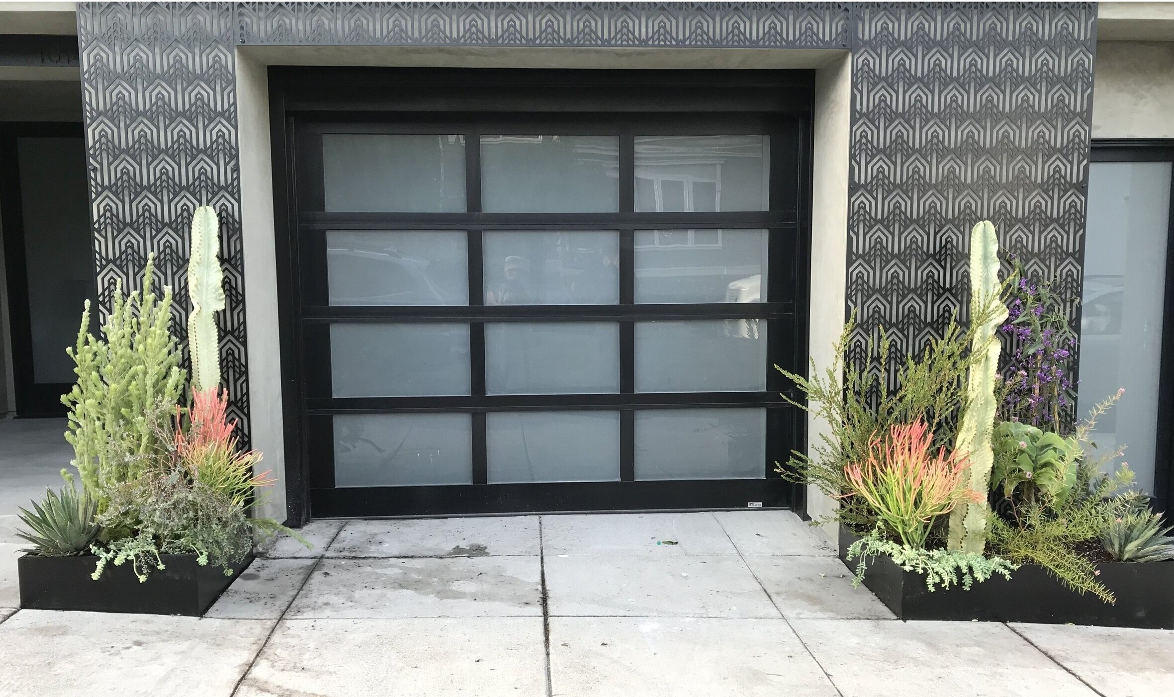 Entryway planters in the Inner Richmond by Collecting Flowers | San Francisco Bay Area Custom Garden Design