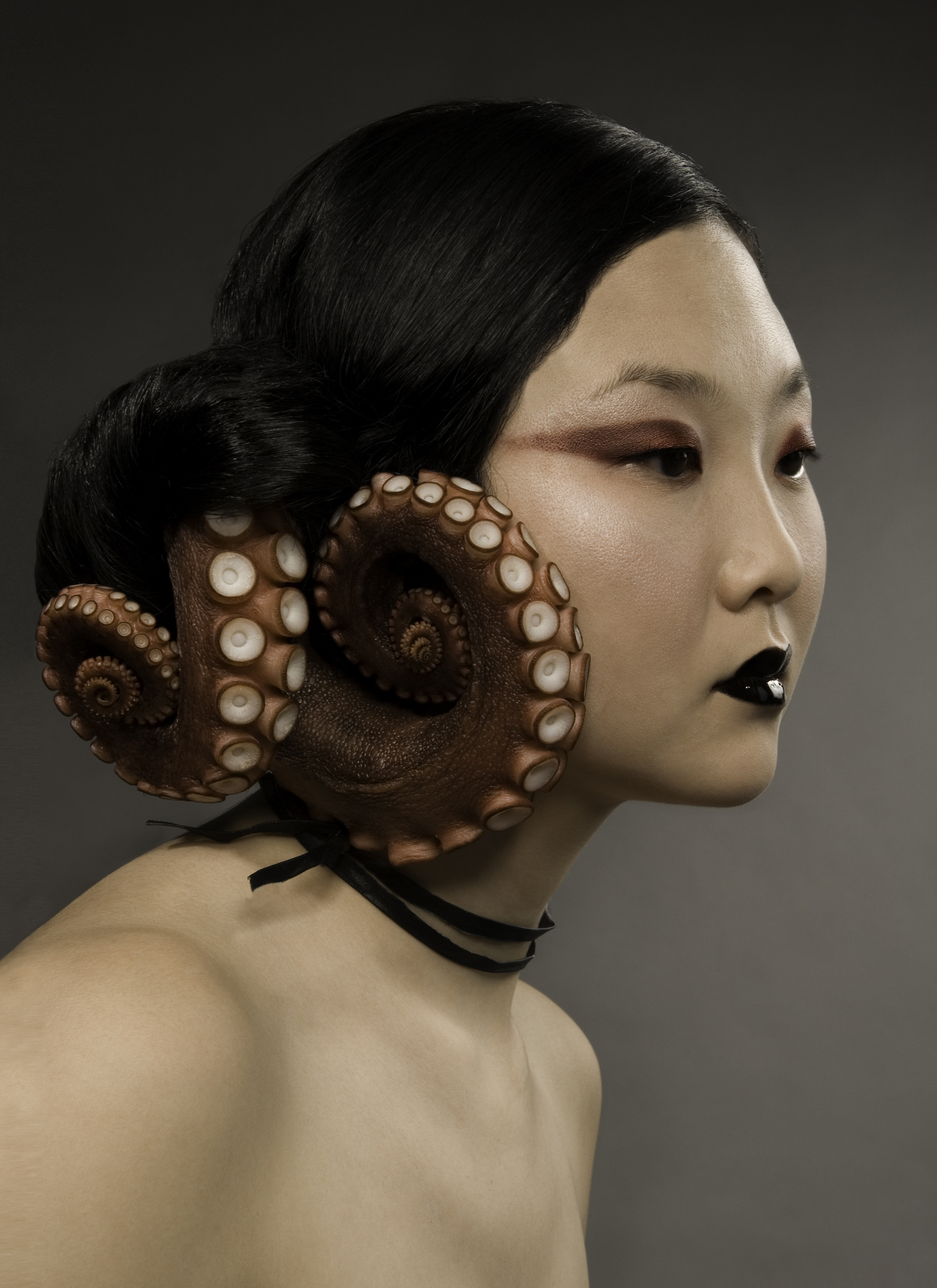 Model With octopus