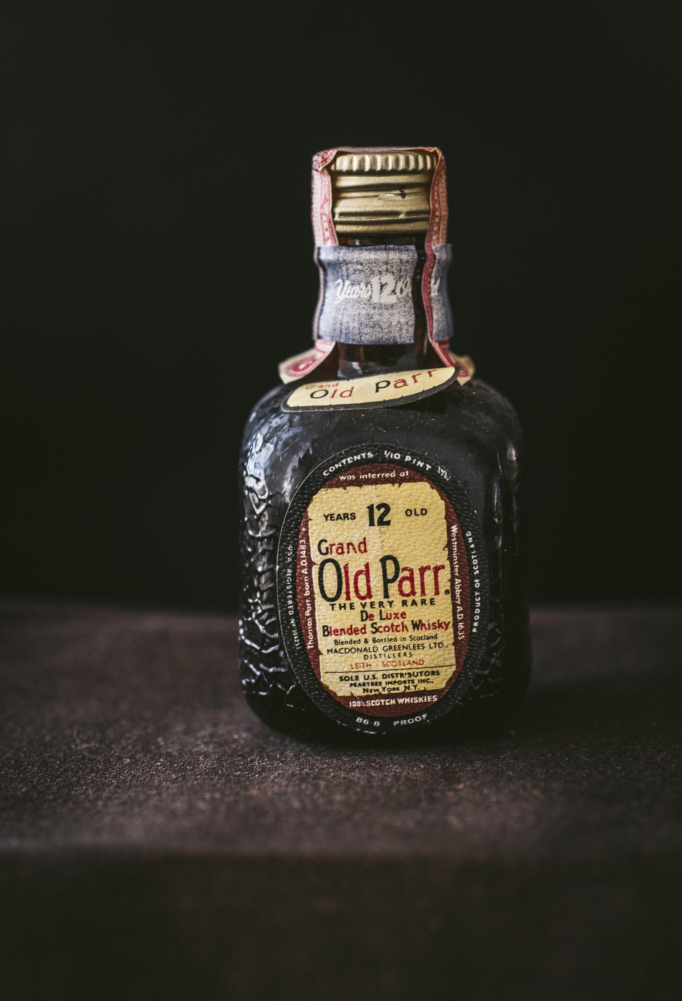 VintageAlcoholBottles033.JPG