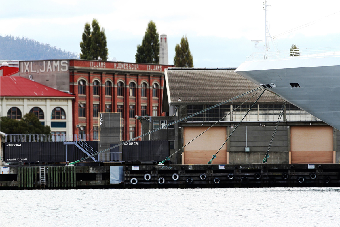 Tasmanian Arts Factory_FormPlay Architecture_Sullivans Cove_Hobart_External Elevation in COntext.jpg