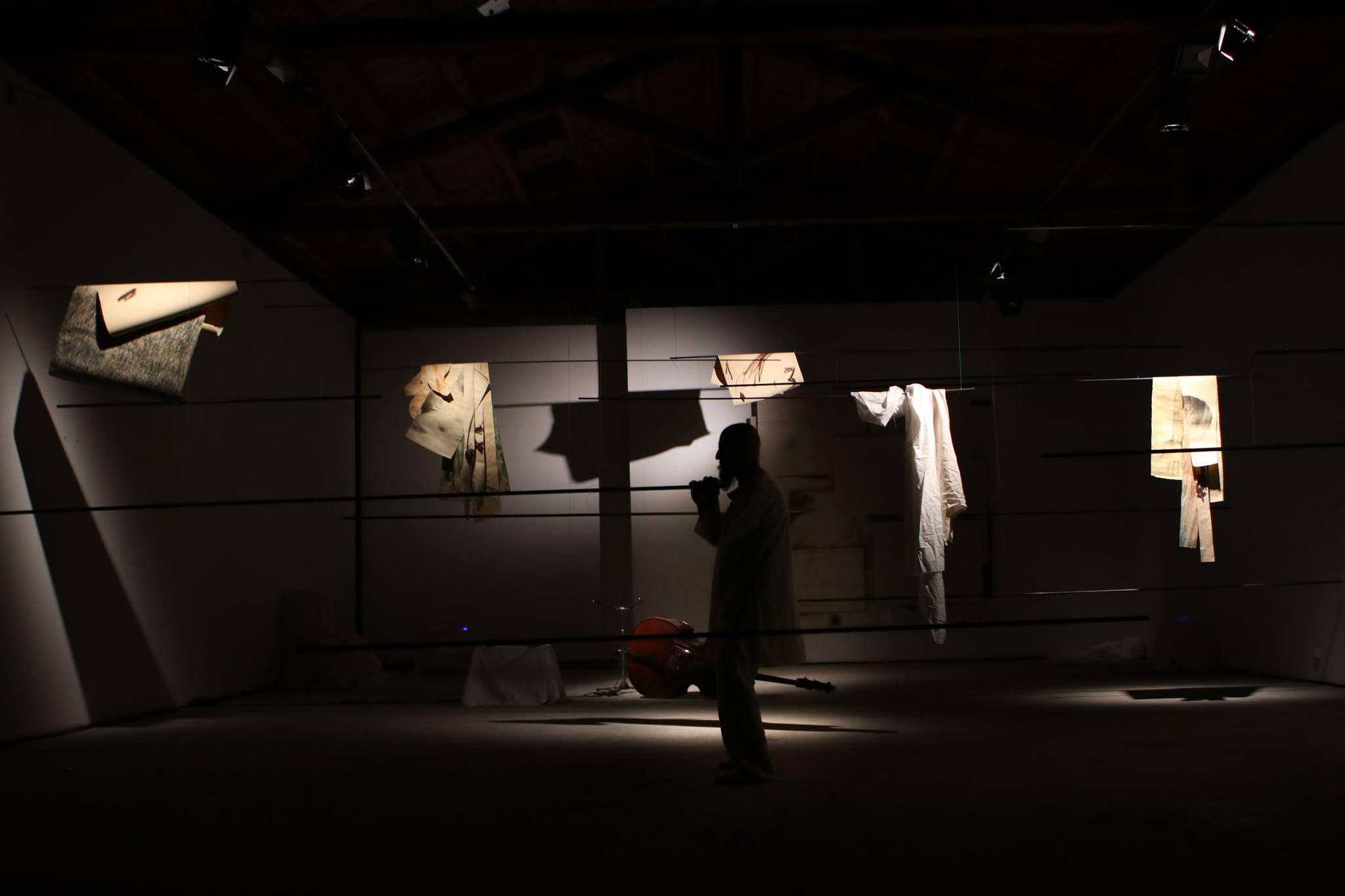Installazione per la rassegna  , Via Varco segni e suoni,  con una performance ed improvvisazioni sonore di Maurizio Chiantone. Studio Umberto Manzo Rotondi, Aprile 2019