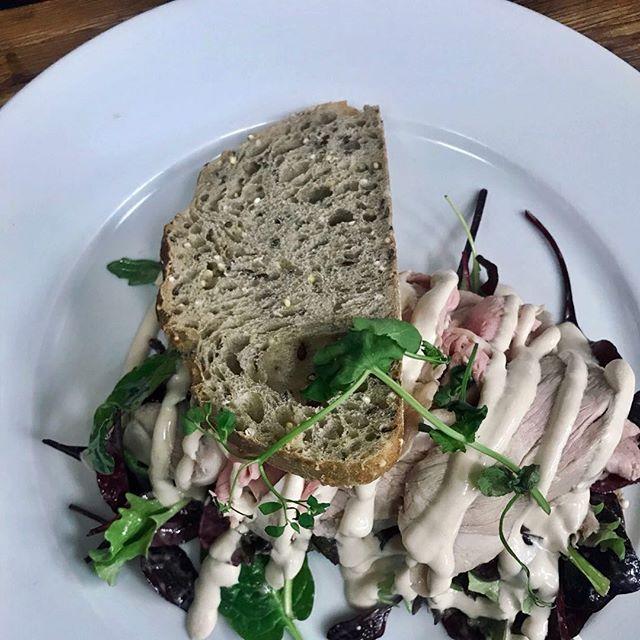 Mijn broodje Vitello Tonato #thijsbydikkerenthijs #lunch  #prinsengracht #etenbijthijs  #vitello