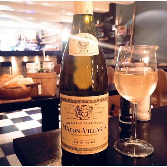 Kom je wat bij mij drinken? #wijn #maconvillages #thijsbydikkerenthijs #prinsengracht #amsterdam #aandegracht