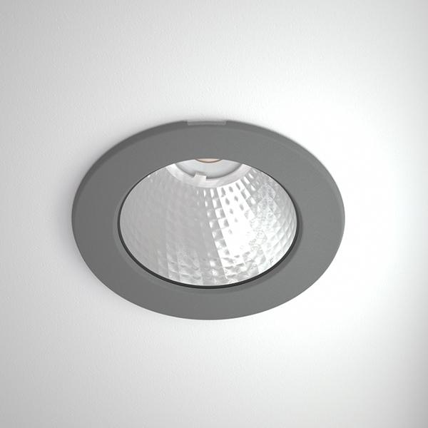 Titan-mini-2500_Titan_Mini_R_COB_grey_webb.jpg