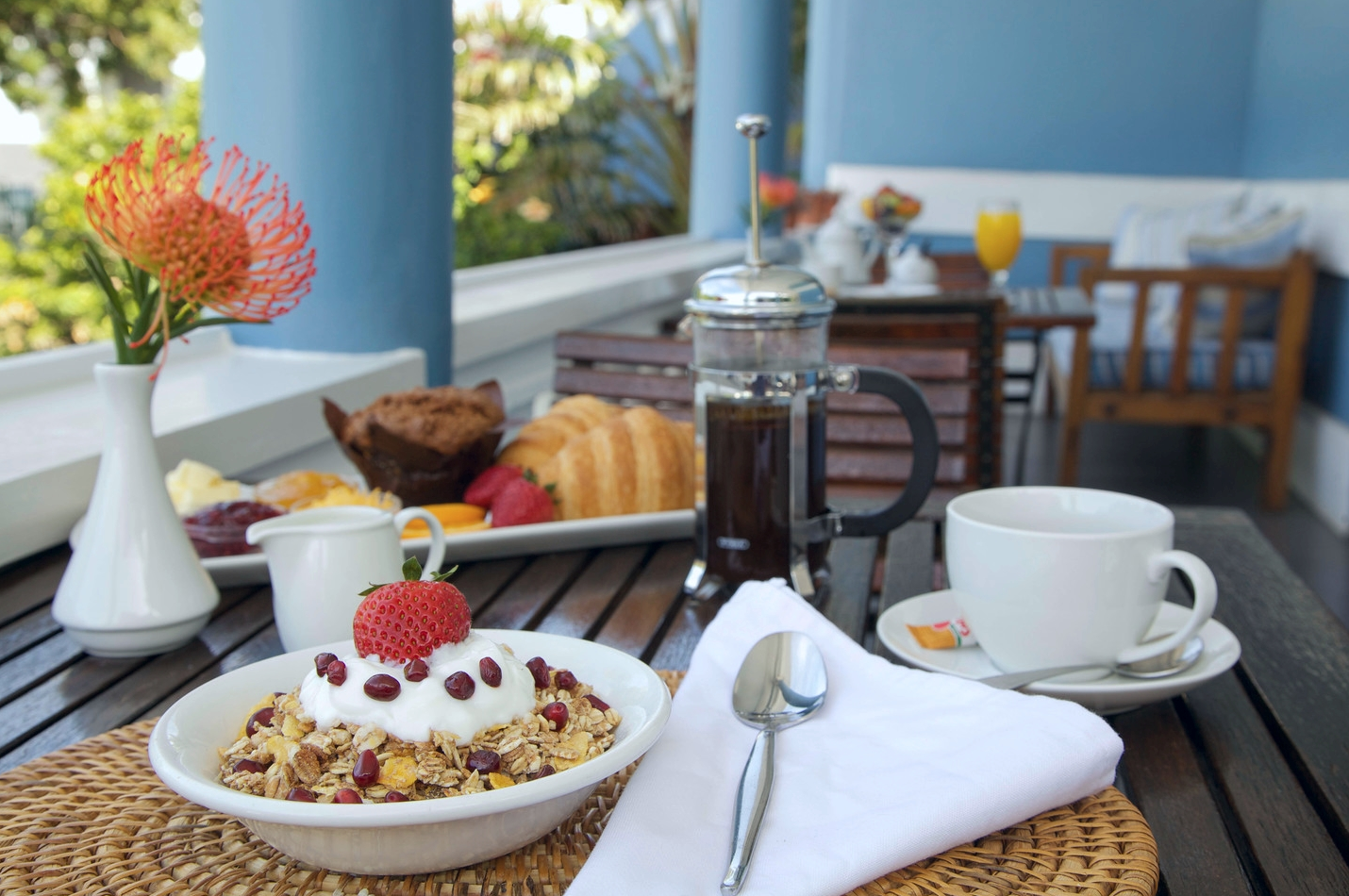 Enjoy breakfast on the terrace, with  spectaculars view onto Table Mountain.