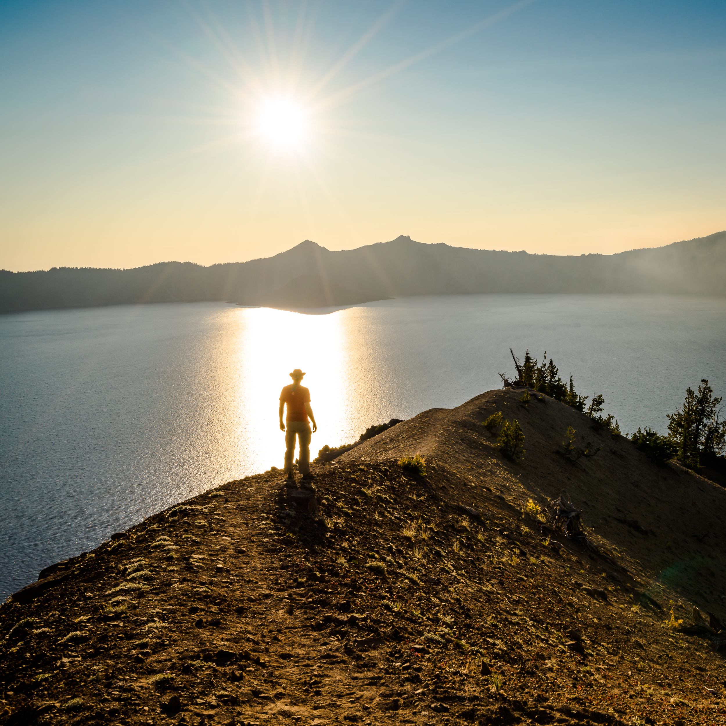 Hiking along the rim of Crater Lake