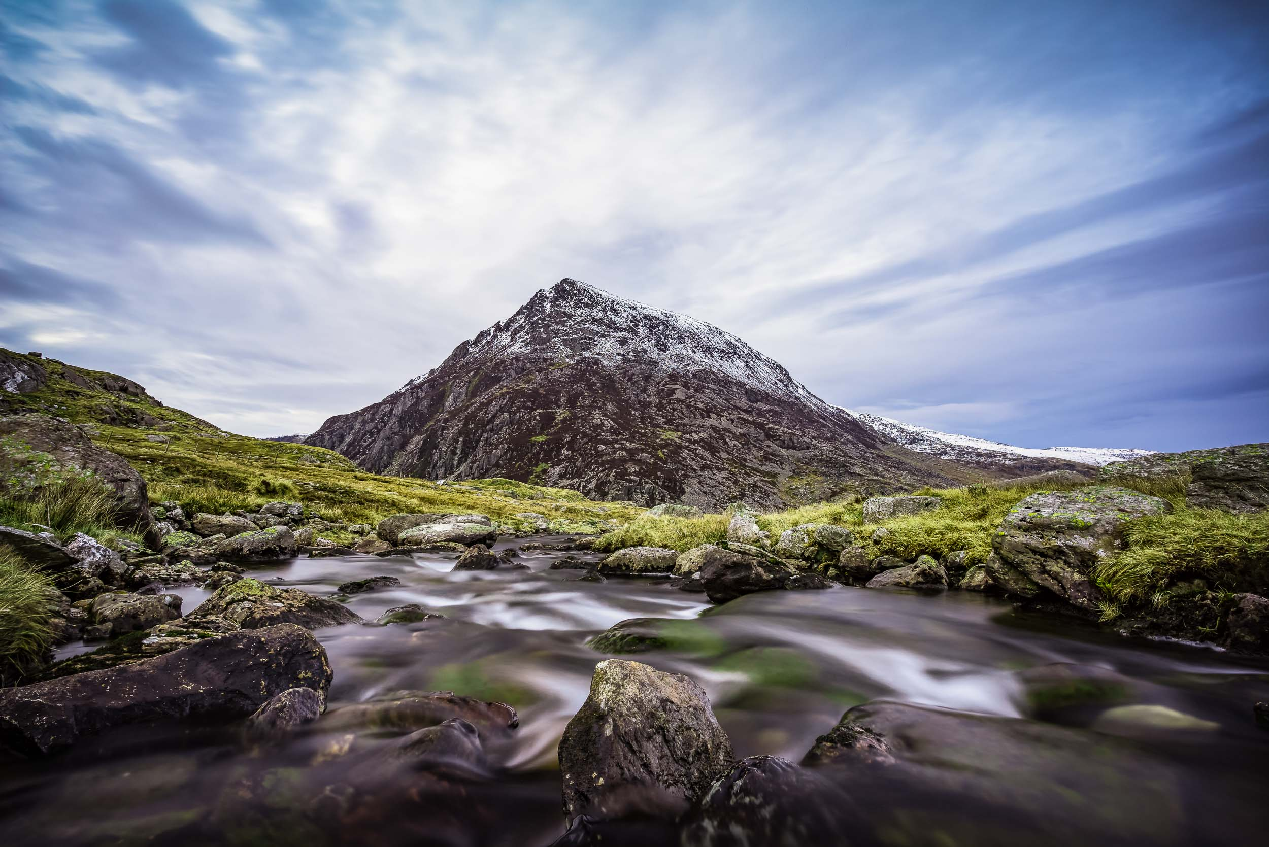 Pen yr Ole Wen from one of many streams out of the mountains. 17mm, ISO100, f/8, 15 seconds.