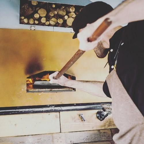 Stone baked 🔥🍕✌ #PizzaIsLife #pizzaoven #pizzatime #foodie #vinespizza #pizzabus #vinespizzashack