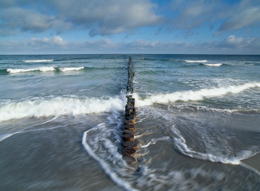 Capture: Baltic Sea, Camera: Hasselblad H1, Lens: 35mm, Film: Fuji Velvia 50, Exposure: 1/10s, Aperture: f/18,Filters: none