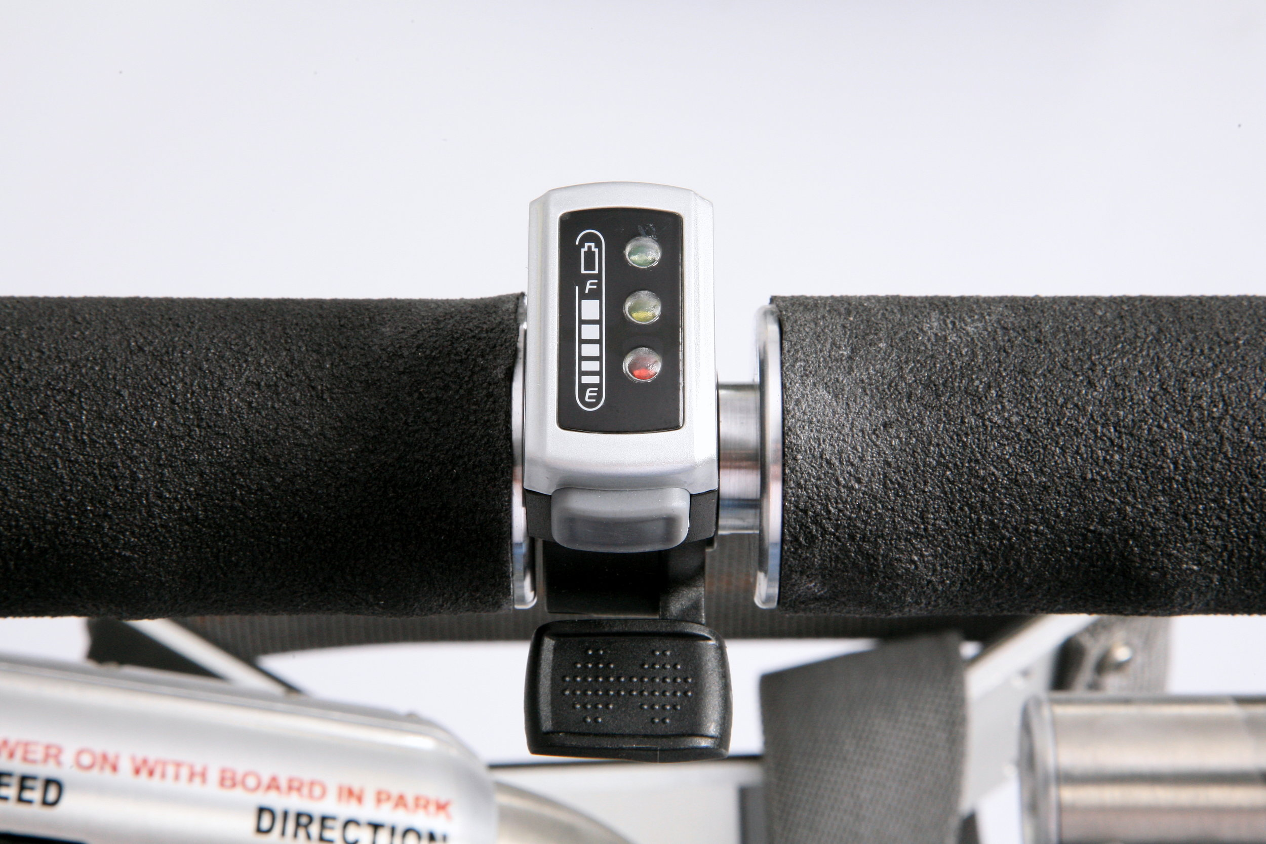 Thumb throttle with one touch speed control and LED battery charge level indicator
