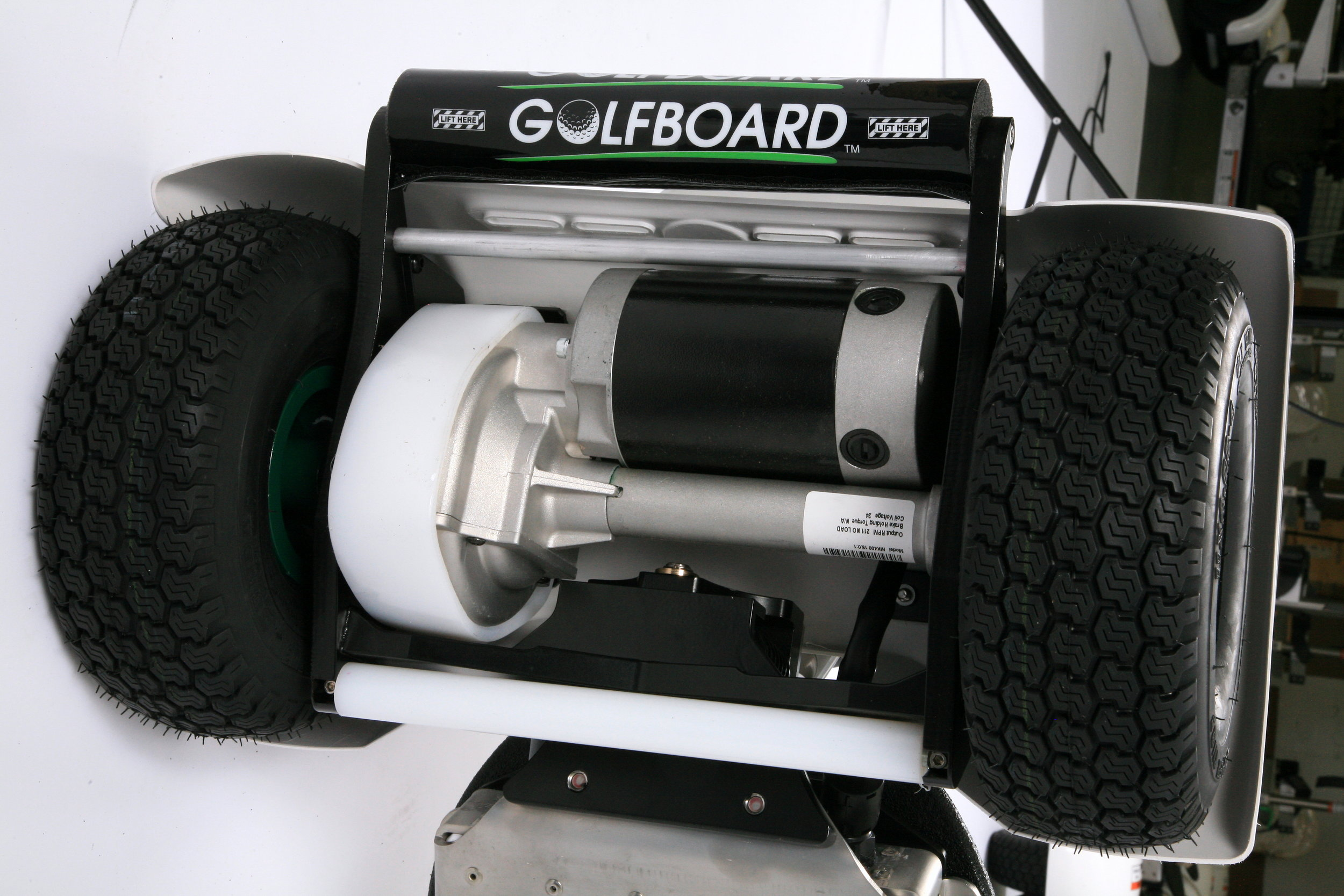 Four-wheel posi-drivetrain with integrated motor and gearbox assembly