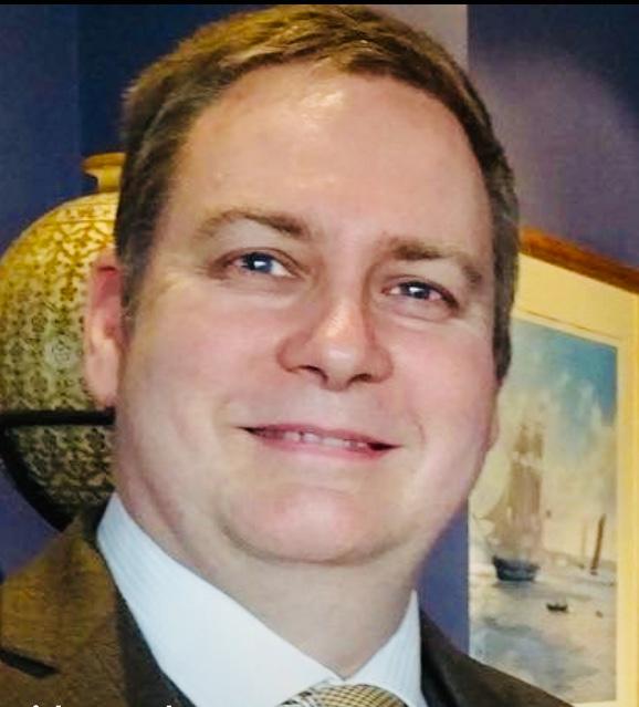 Headshot David Woods.jpg