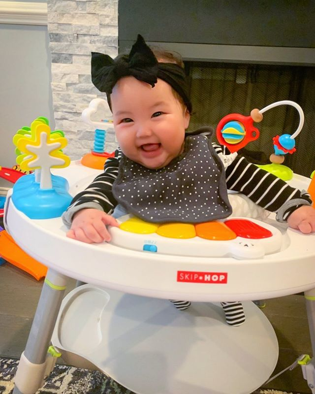 a quarter of a year in this world, happy lil' thang! #4monthsold #homegirl #allthesmiles