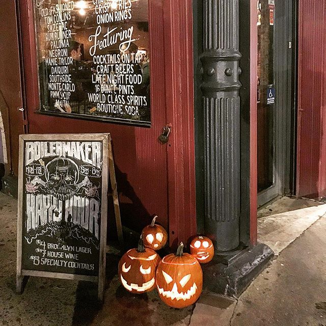 Happy Halloween weekend! We will be showing the World Series games tonight and tomorrow. Come party with us! 🤘🏽💀⚾️🎃