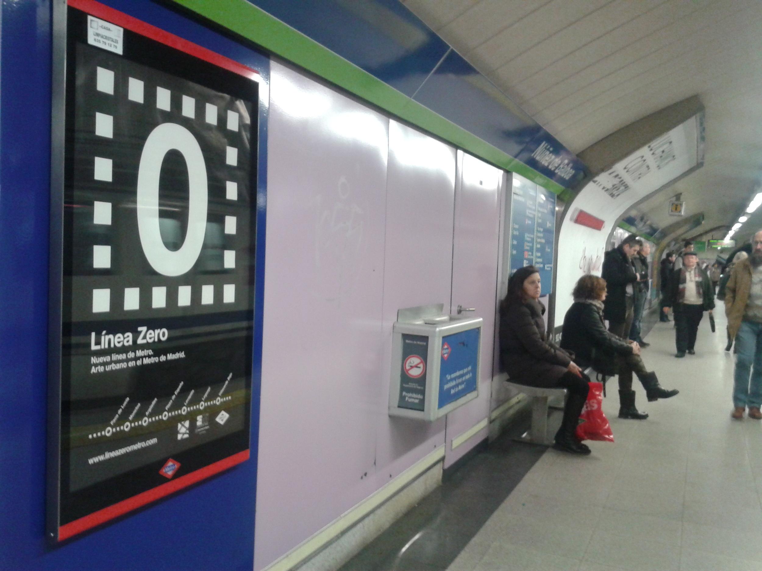 carteles en metro 2.jpg