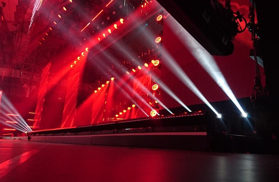 stage-2223130_960_720.jpg