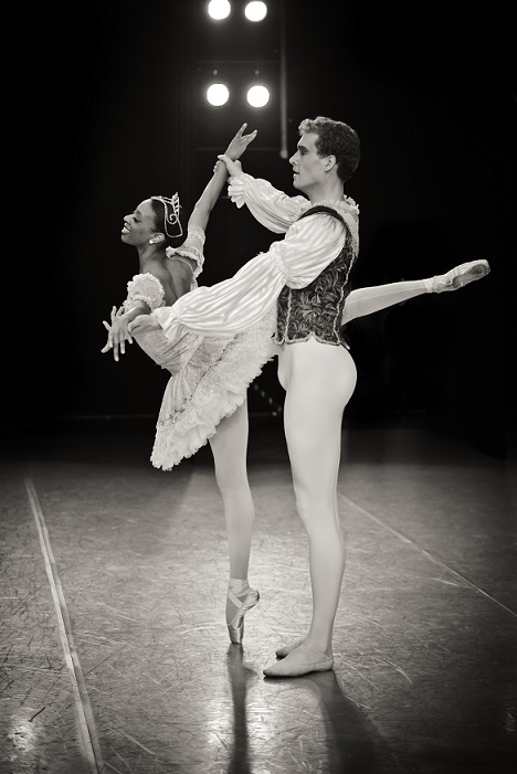 Whitney Huell and Stephen King of Ballet West II as the Sugar Plum Fairy and Cavalier in The Nutcracker.