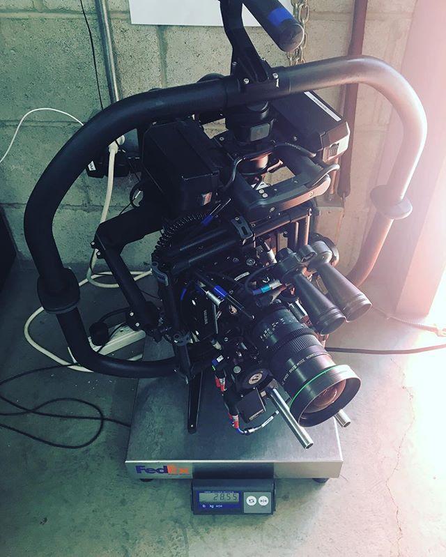 The scale reads 28.55 lbs #backbreaker @freeflysystems @paralinx @smallhd @arrichannel #cinematography #filmmaking #feature #preplife