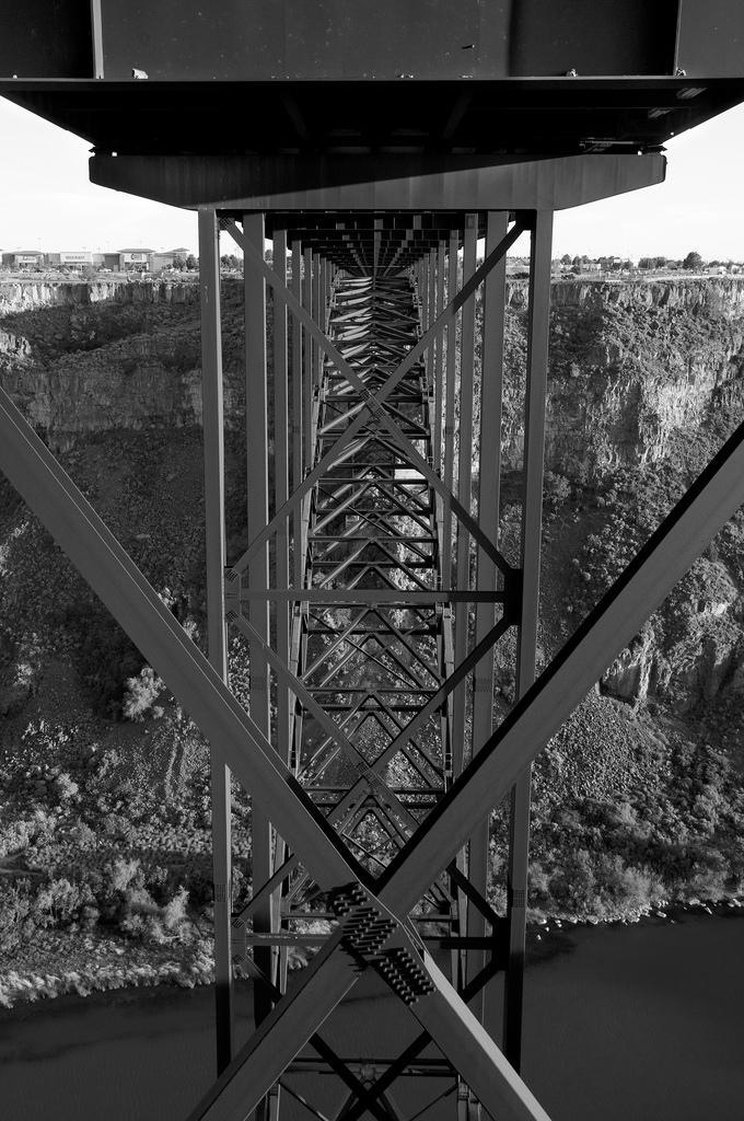 Perrine Bridge above the Snake River / Twin Falls, ID