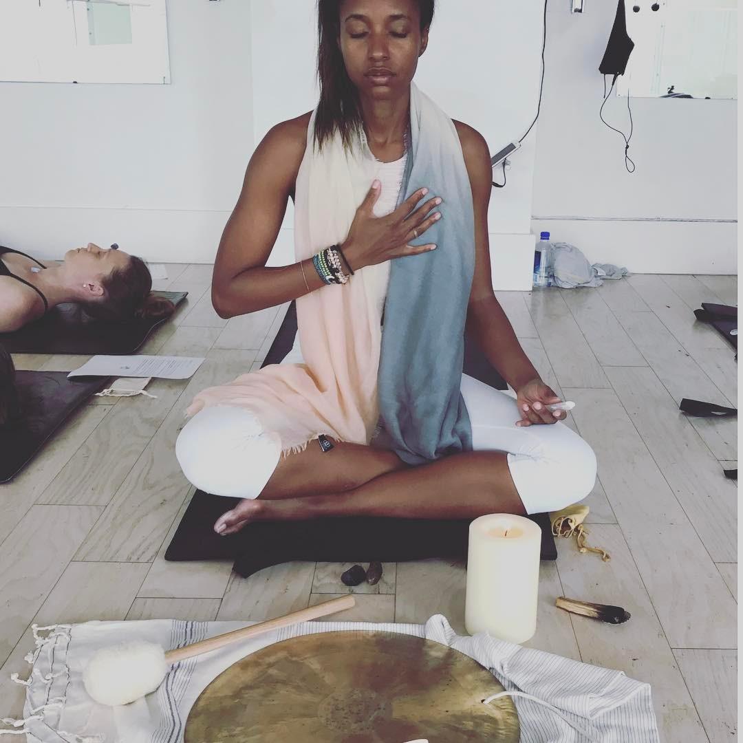 Crystal Healing with Rashia Bell of The Cristalline