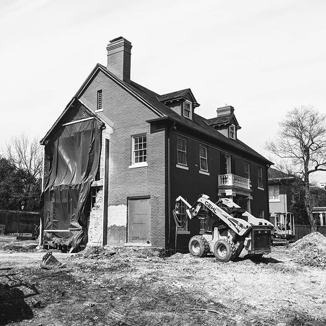 Construction has begun on a very unique historic property in Old Enfield. We look forward to sharing updates on this renovation and major addition with @shoberg_homes @teneycklandscapearchitects #oldenfield #historicrestoration #georgianrevival#austin#texas#architecture