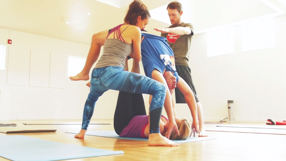 Acroyoga workshop from SDF 2015, Video still from Muse Motion