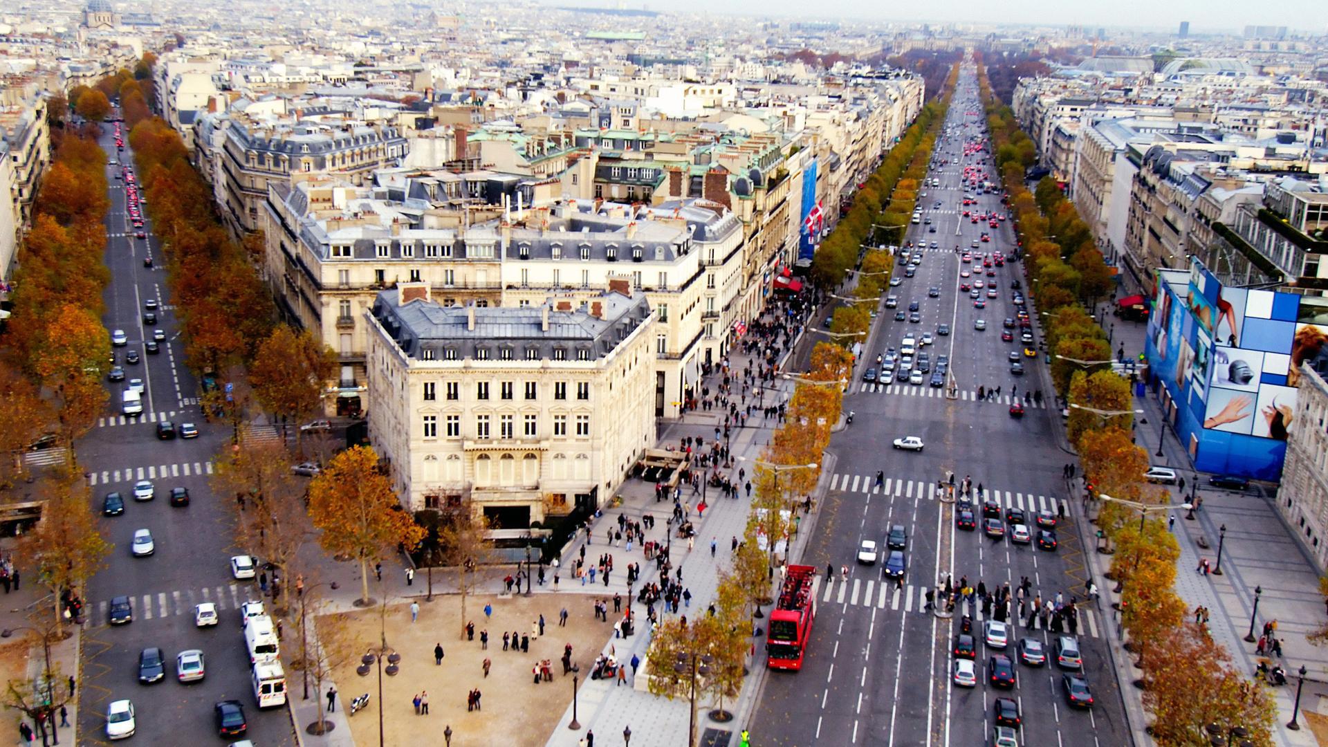 Champs-Elysees-Paris-France.jpg