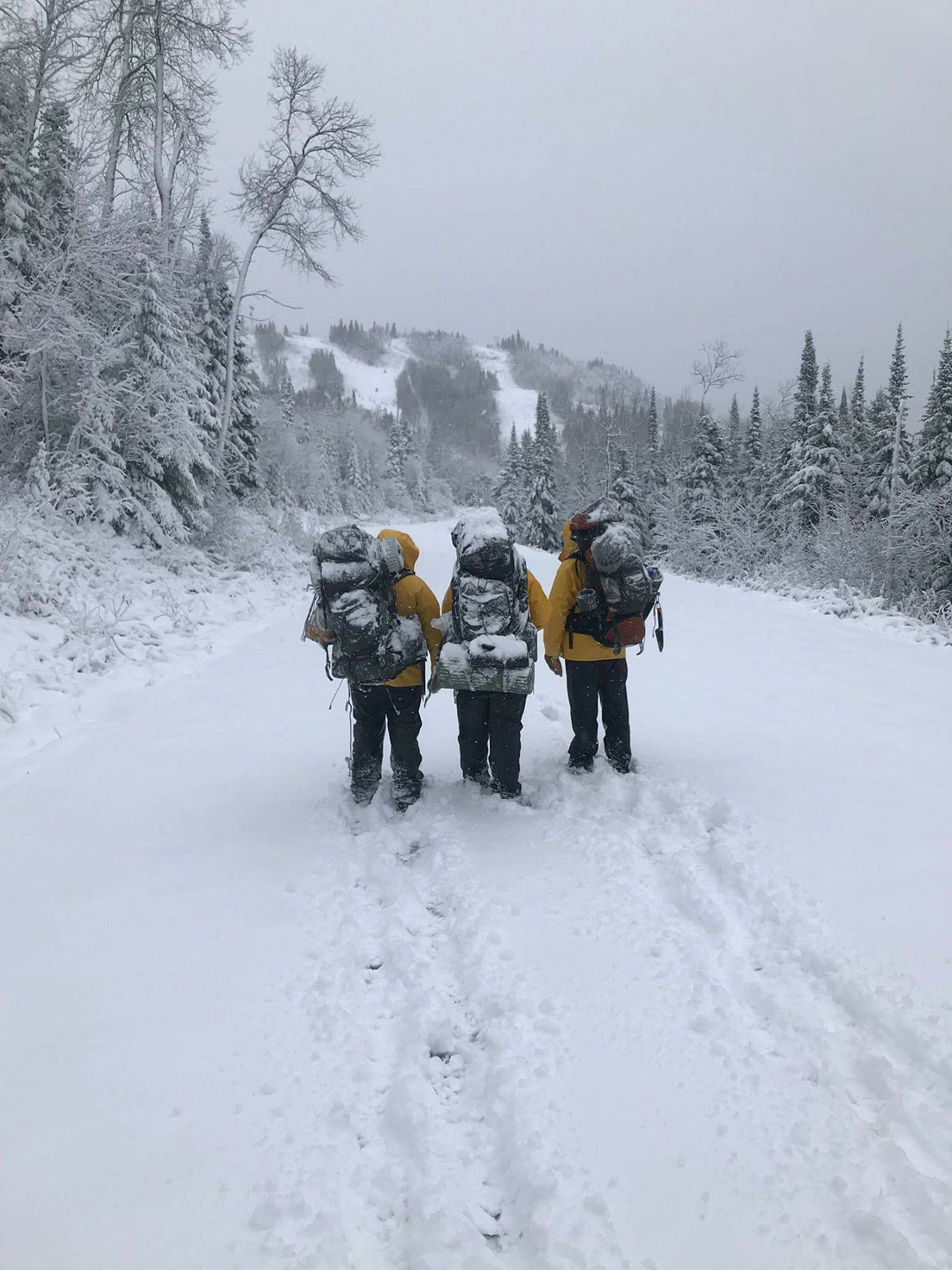 REA students - superior hiking trail winter.jpg