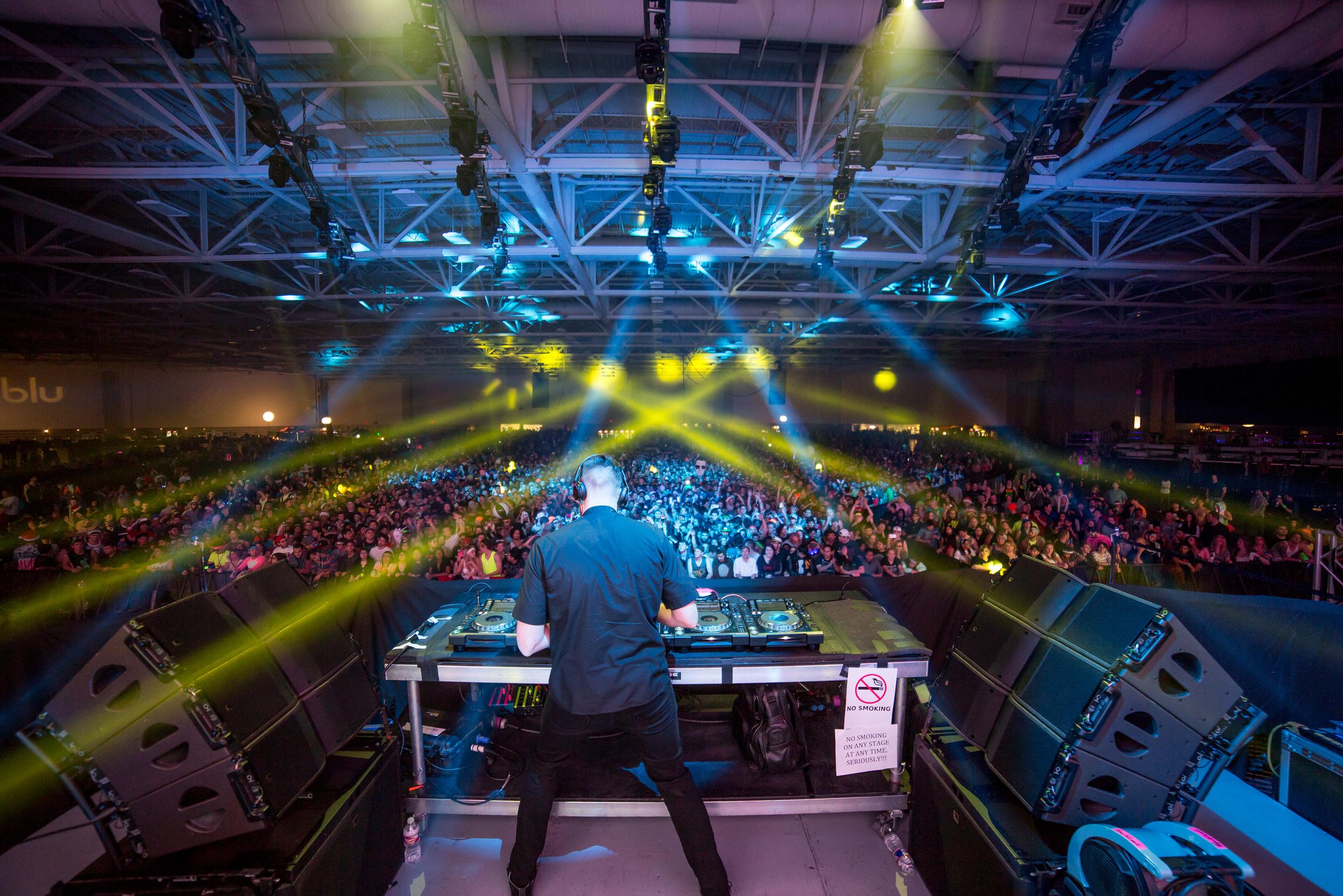 TCHAMI - LIGHTS ALL NIGHT MF - DALLAS, TX