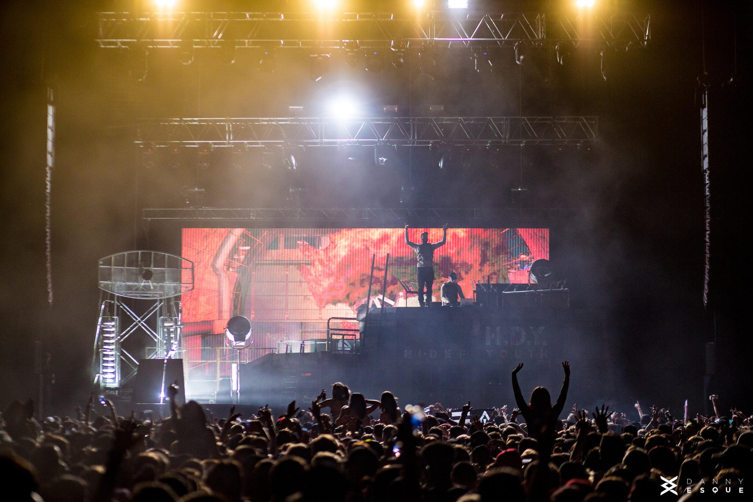 FLOSSTRADAMUS   HI-DEF YOUTH TOUR 2016