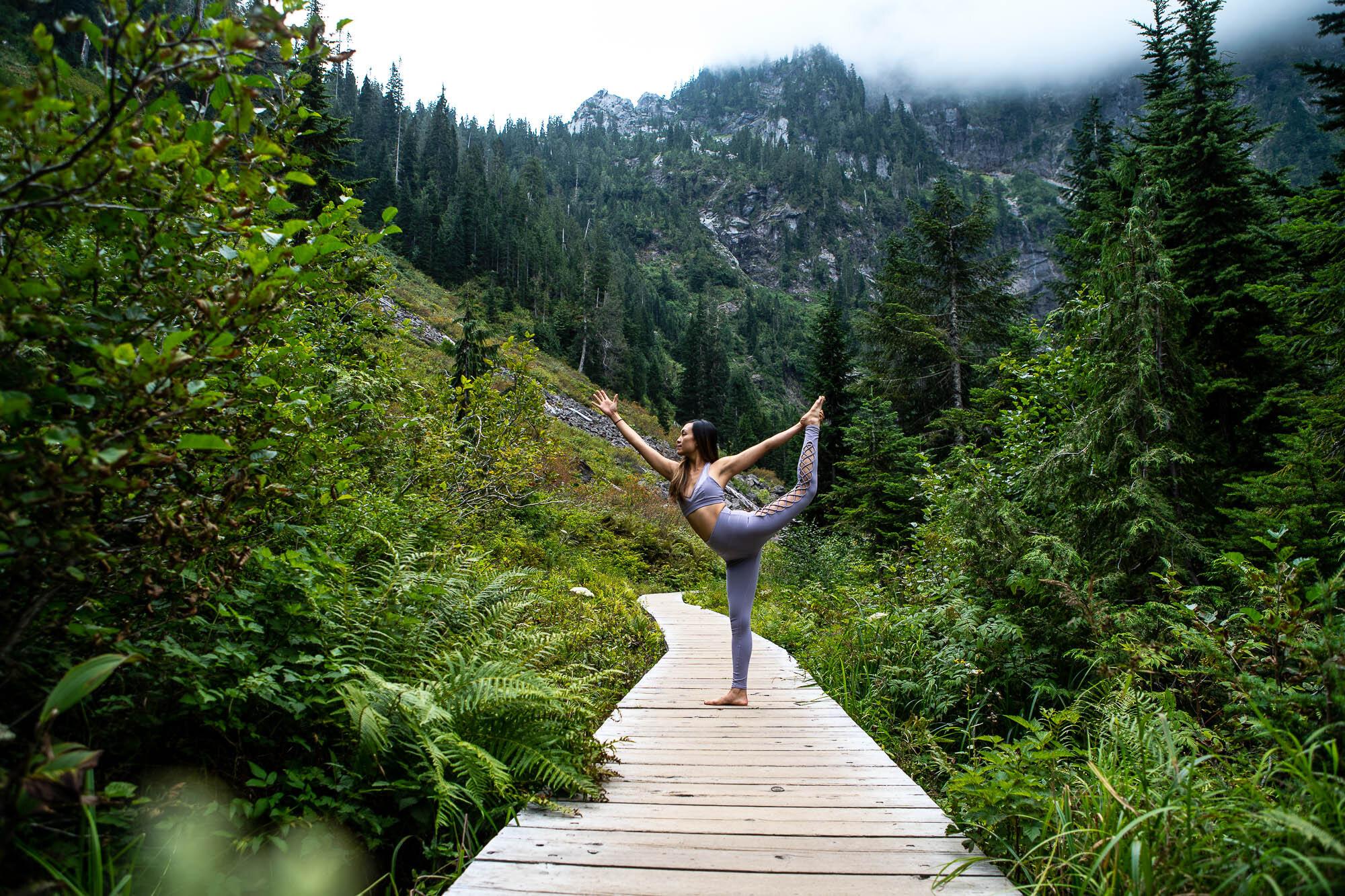 Amy Lin Yoga-05333.jpg