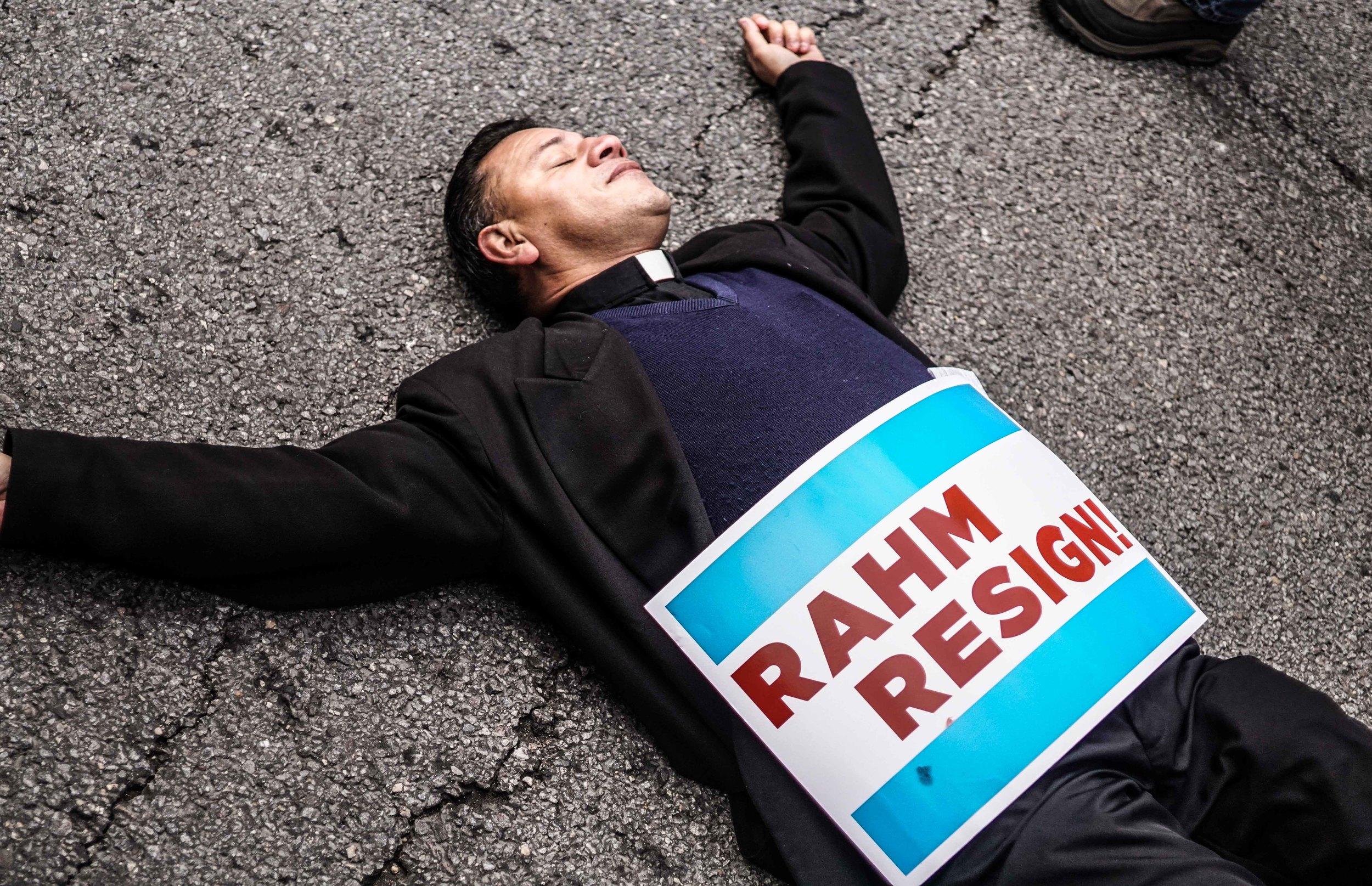 Laquan Mcdonald Protest Resign Rahm Christmas Eve December 2015 4.jpg