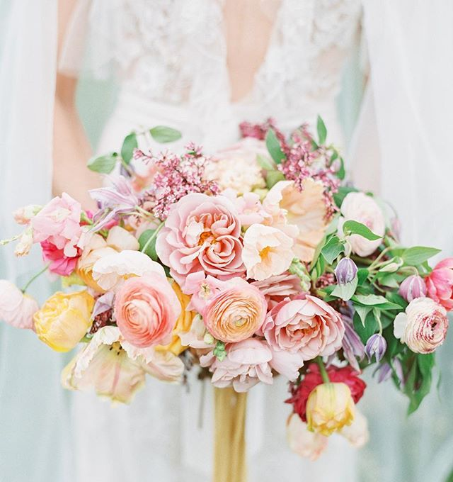 Oh COLOR and the softest blooms!! What fun it was designing these candy colored florals for @thehybridco bridal shoot led by @laurenfair! Can't wait to see more soon! . . . Workshop: @thehybridco Workshop Host/Lead Photographer: @laurenfair Creative Direction: @rsvpeventdesigns Floral Design: @melissabroadwell Venue: @greendoorgourmet Bridal Gown: @moniquelhuillierbride  @moniquelhuillierbride Hair & Makeup: @erinvryser Shoes: @bellabelleshoes Paper Goods: @inkandpressco Lingerie: @girlandaseriousdream Garters: @gartergirl Jewelry: @waltonsjewelry Menswear: @streettuxedo Tabletop Rentals: @whitegloverentals Linens: @latavolalinen Cakes: @copperwhiskcakes Styling Surfaces: @locustcollection Mixology: @barmagnolia Ribbon: @tonoandco Furniture Rentals: @pleasebeseatedrentals Candles: @creative.candles