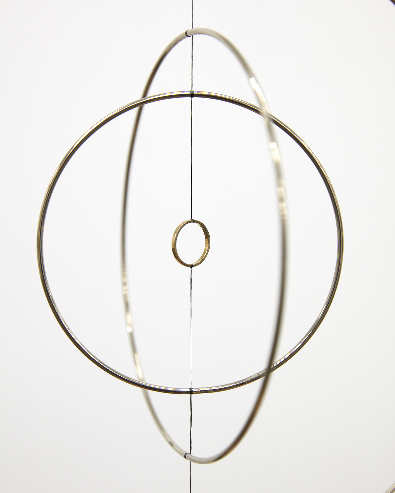 Len Lye,  Roundhead  (detail) ,  1961 (authorized reconstruction), steel, nylon, gold plated copper with motor and altered music box, 675 x 255 mm disameter.