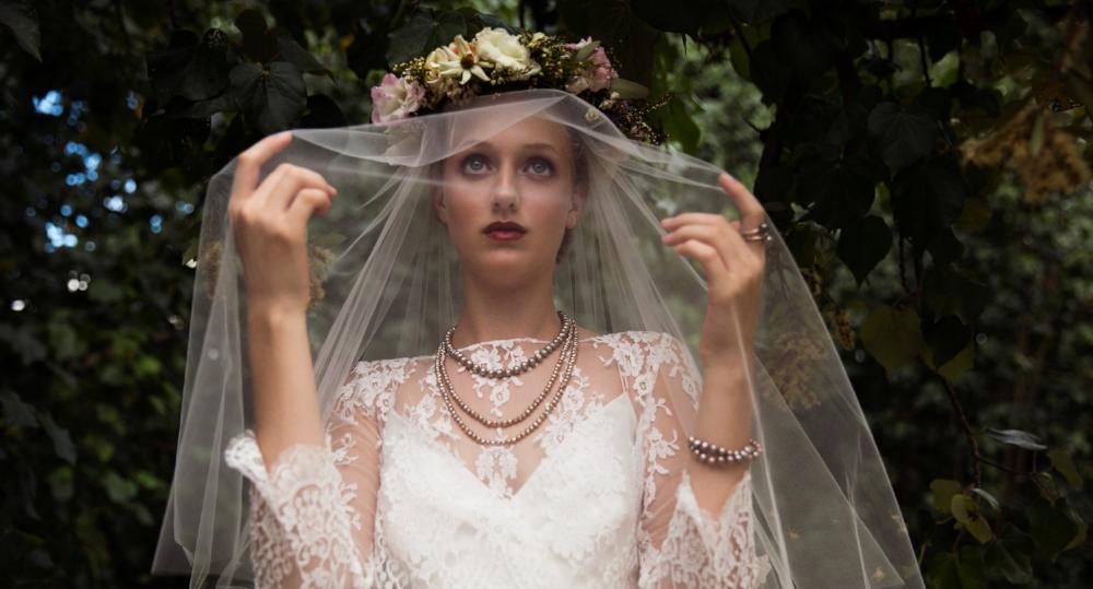 Bridal fashion editorial feat. Magnolia White Hawaii, TheEditHawaii.com
