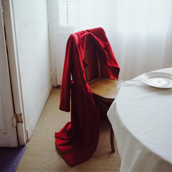 1-ausencia  abrigo rojo .jpg