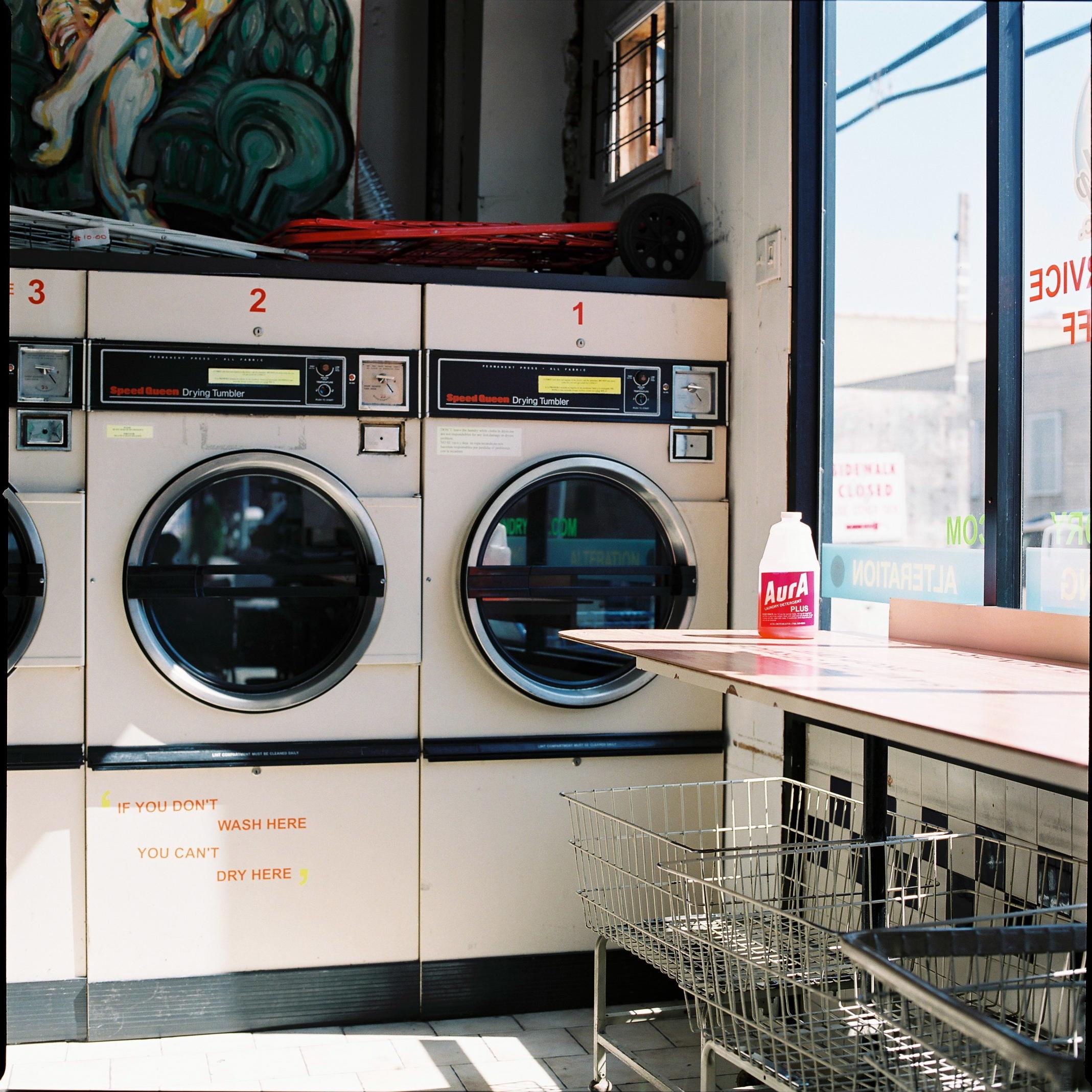 000010laundry.jpg