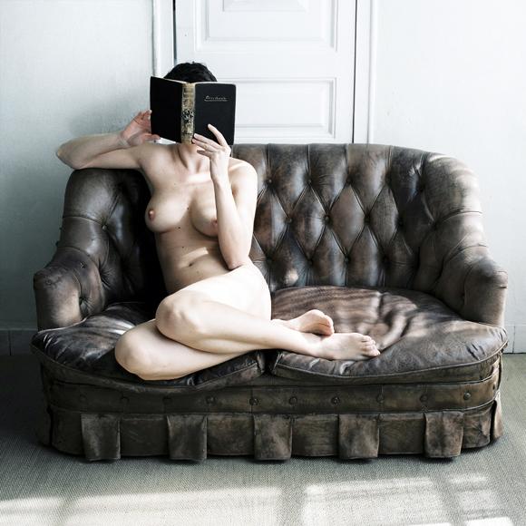 05.en mi sofa.jpg