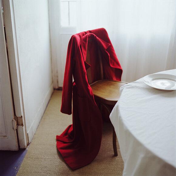 1-ausencia++abrigo+rojo+.jpg